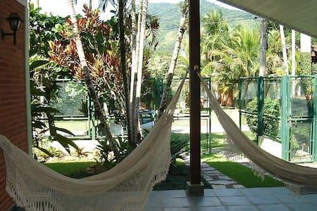 Casa a 500mts da praia de Barra do Una - São Sebastião