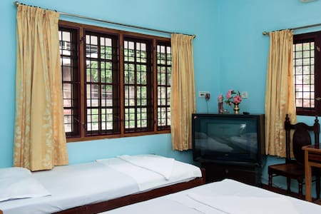 Daniels Home Stay Fort Kochi  - Kochi - Bed & Breakfast