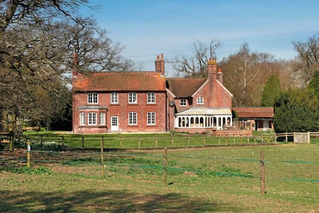 Country House in North Hampshire - Huis