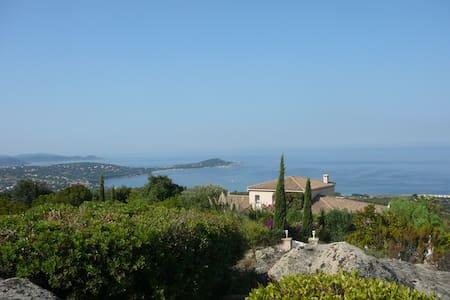 Charming Villa,with terrasse and Garden - Villa