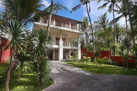 R&R Private Villa with Sea View