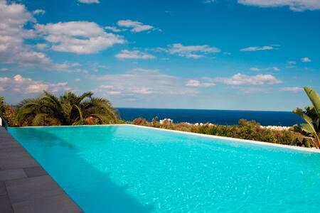 Aegean villa - simply amazing - House