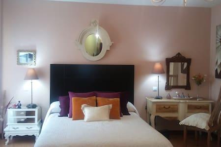 Habitaciones con encanto @ breakfast - Castellanos de Moriscos - Radhus