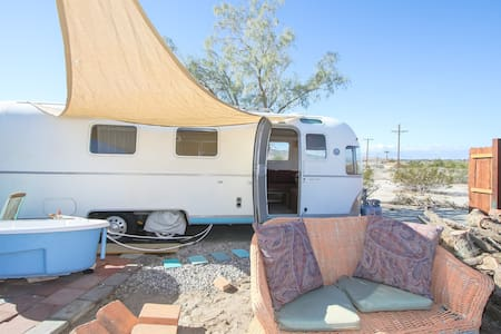 dream in an airstream$39 up BOOK NOW - Sky Valley