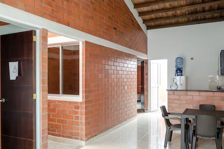 Casa nueva en Cartago con garaje - Daire