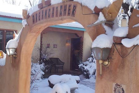Dreamcatcher B&B - Dream in Taos! - Taos