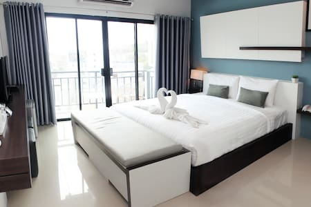The Artist House Patong - Delux2 - Patong Kathu - Bed & Breakfast