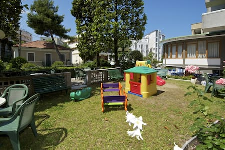 NICE APARTMENT CATTOLICA 50M TO THE BEACH - Apartmen