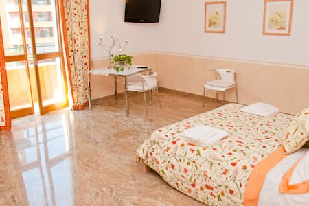 "B&B Il Viandante Romano ""orange"""