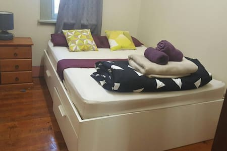 CENTRAL SYDNEY BUDGET QUEEN ROOM! - Ultimo - Apartment