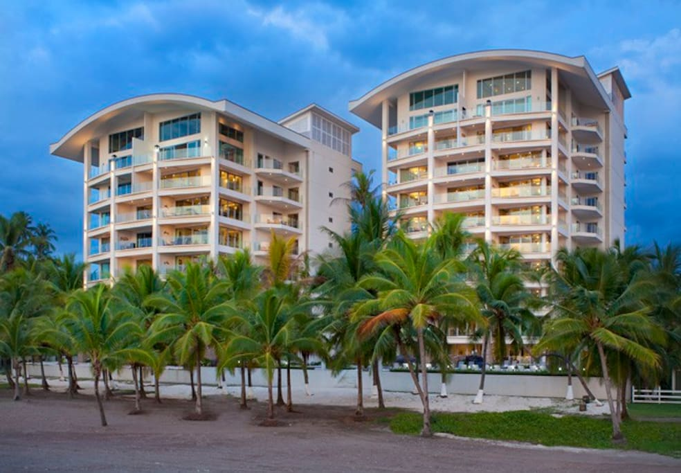 Beach Front 2 bedroom condo Jaco CR