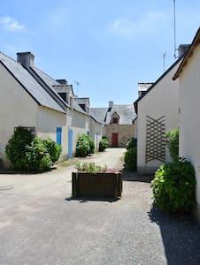 Petite maison , jardin bord de mer - Sarzeau - Haus