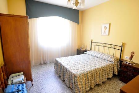 Piso de 4 dormitorios para 8 person - Jarandilla - Haus
