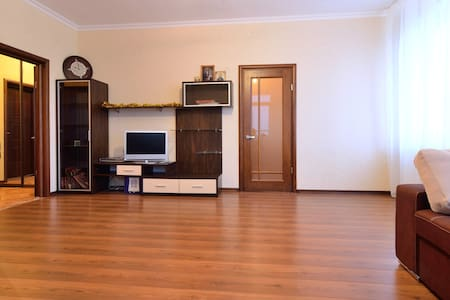 Beautiful flat near metro verified! - Apartment