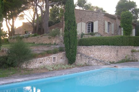An Artist's Home in Provence - Ev