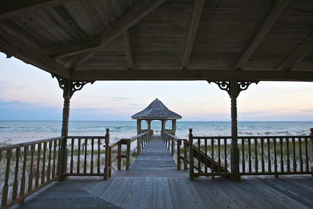 Charming Beachfront Home - Pensacola