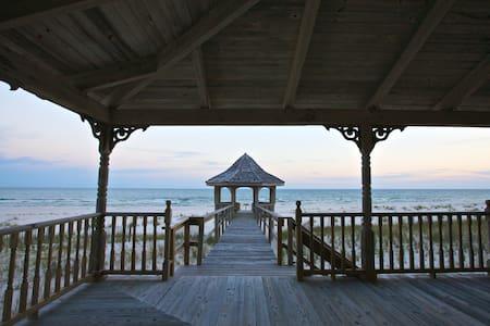 Charming Beachfront Home - Pensacola - Haus