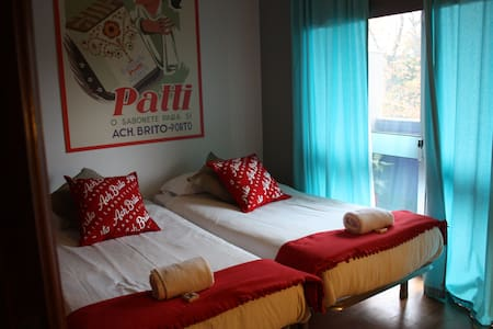 Double room in Surf House near the sea I - Oporto - Bed & Breakfast