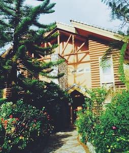 19b Cozy Deluxe 3 bdr w/garden - Baguio - Huis