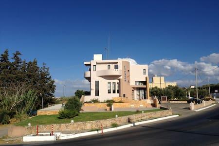 Studios in Platanias, Chania, Crete - Πλατανιάς - Apartemen