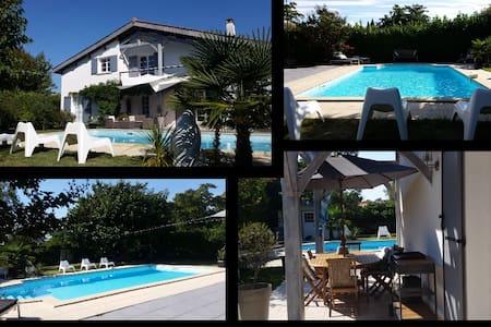 Maison de vacances Bordeaux - House