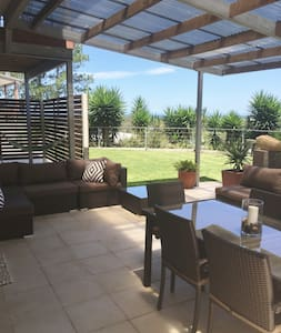 COFFS GOLF AND OCEAN VIEW APARTMENT - Coffs Harbour