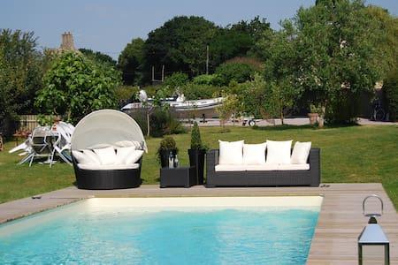 Jolie maison, grand jardin, piscine - Saint-Briac-sur-Mer