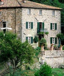 Casa Verde Tuscany Italy - Vellano