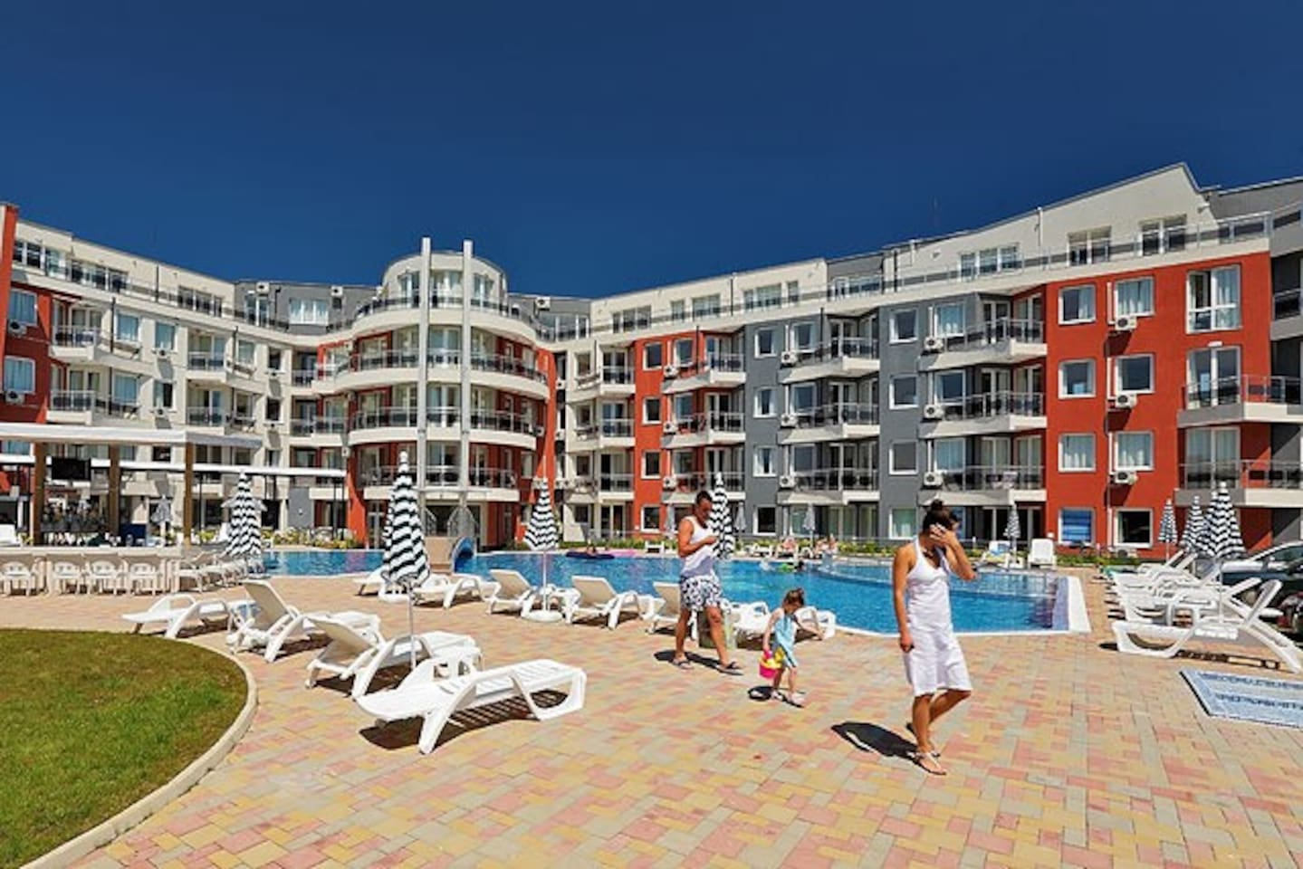 Spend your holidays in stylish and comfortable apartment in Lozenets, Bulgaria