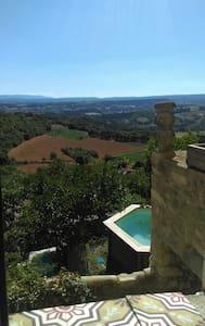 Un balcon sur le Luberon vue /piscine /Forcalquier - Lurs - Rumah