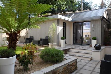 English Riviera garden studio