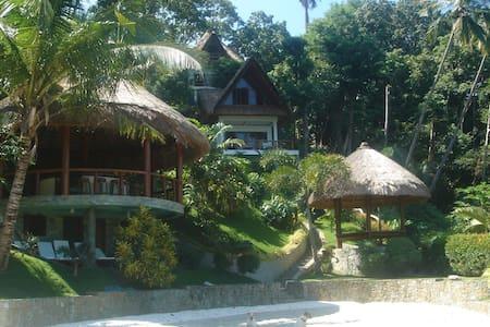 2 Bedroom Luxury Villa with Beach - Puerto Galera - Casa de camp