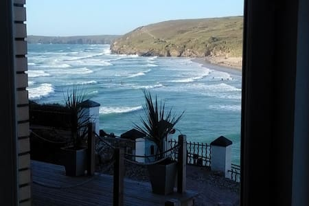 Bay Court Apartment - Incredible Sea/Beach Views - Perranporth - Apartment