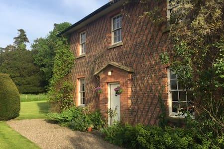 Lovely Georgian house Weobley, Herefordshire - Hereford - Bed & Breakfast
