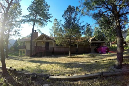 Big, Secluded & Close to the Village, 4BR 2.5 BA - Ruidoso - Cottage