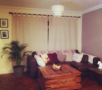 Ideal London Summer Base! - Isleworth  - Apartamento