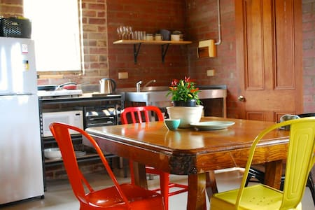 Art Studio - Central Albury - East Albury - Other