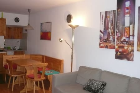 Romantic 2-room apartment with a he - Apartmen