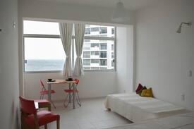 Apartamento sobre Playa Brava.