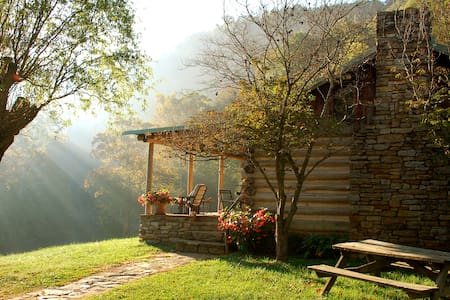 Cabin on the River at the Bare Farm - Lexington - Chalet