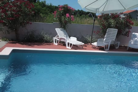 Apartment wit heated pool for 2- 4 person - Apartment
