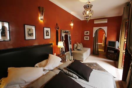 Touareg room