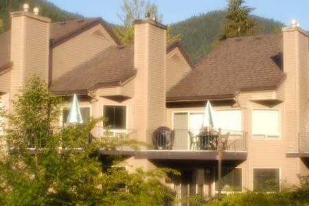 Whispering Woods Resort Condo