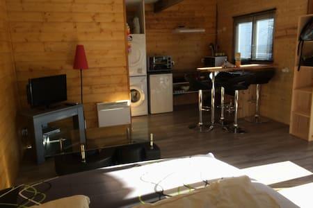 loue studio chez l'habitant - Chalet