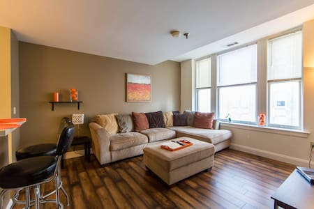 Central Downtown 2 BR Apartment - Appartement