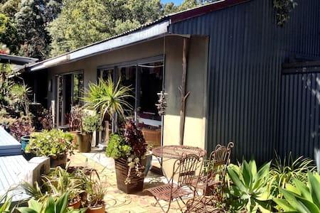 A beachside rural retreat - Pensione
