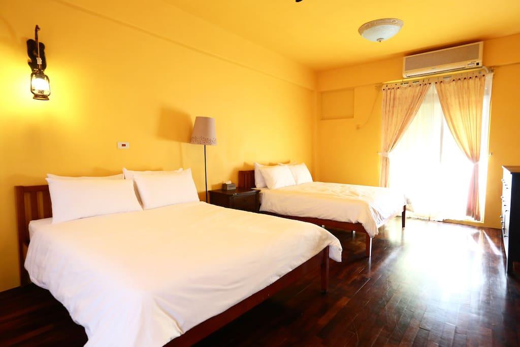 2F 鄉村四人房 Standard Quad Room