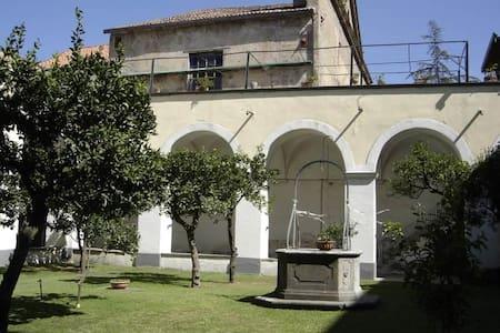 Cimitile- in Villa d'Epoca - Cimitile - Lejlighed
