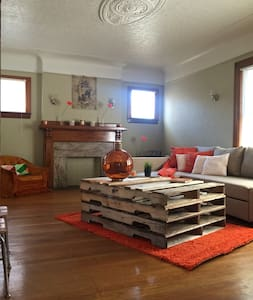 BEAUTIFUL ARTSY 3 BDR HOUSE - Detroit - Wohnung