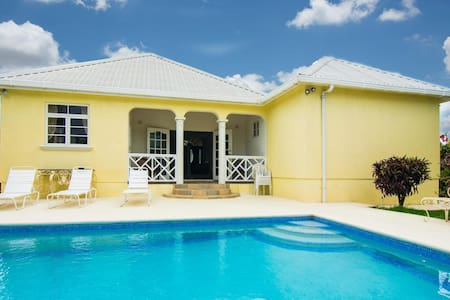 Deluxe 3 bedroom villa with pool - Christ Church - Haus